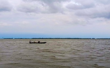 ডিঙ্গাপোতা হাওর নেত্রকোণা