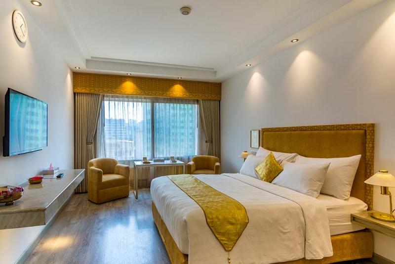Hotel Razmoni Isha Kha