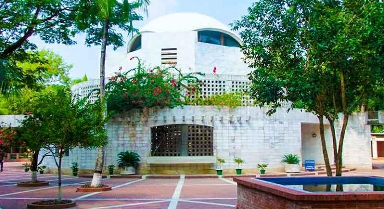 বঙ্গবন্ধু শেখ মুজিবুর রহমানের সমাধিসৌধ, টুঙ্গিপাড়া, গোপালগঞ্জ