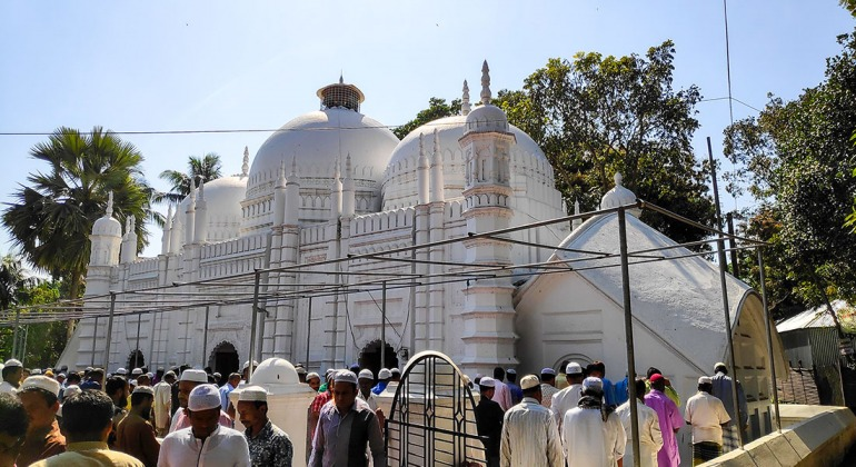 পাকুল্লা মসজিদ টাঙ্গাইল