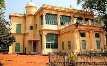 Shantiniketan India Vromon Guide