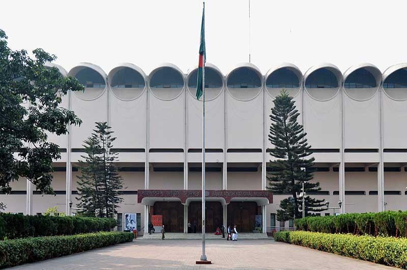 bangladesh-national-museum-dhaka-vromon-guide