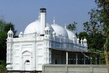 চান্দামারী মসজিদ