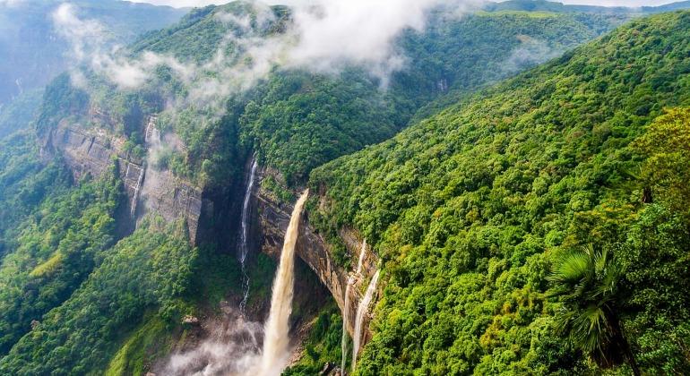 চেরাপুঞ্জি ভ্রমণ